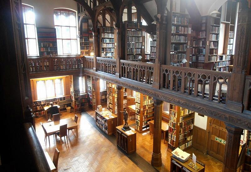 Gladstone's_Library_wiki_media